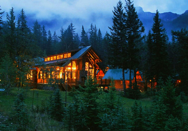 Travel article best cabins in the canadian rockies for Rocky mountain lodges