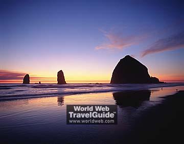 『キャノン・ビーチ(オレゴン州)』 画像出処:http://www.o... 今夜はオレゴン州特